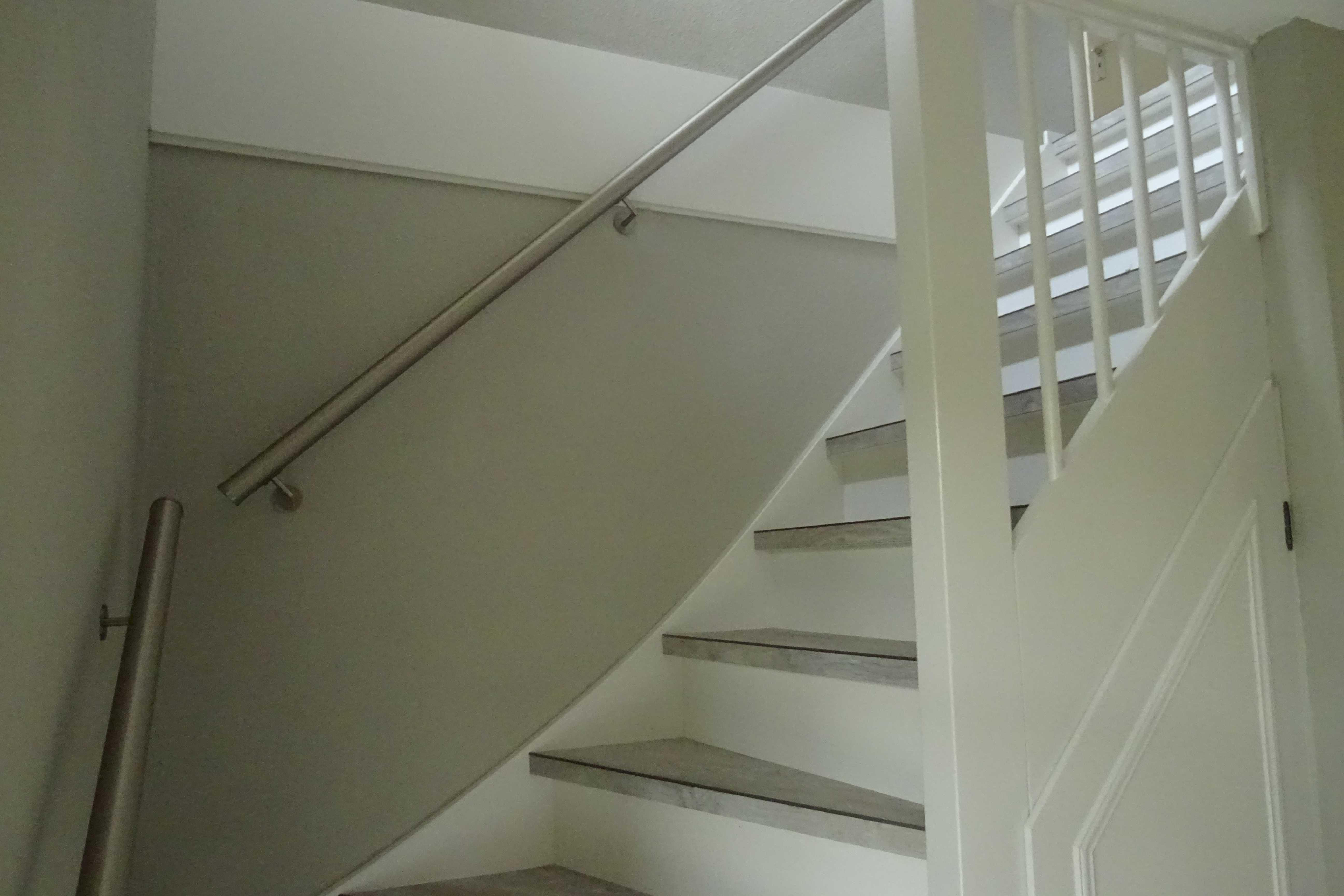 trap-vanuit-beneden-villa-burghduin