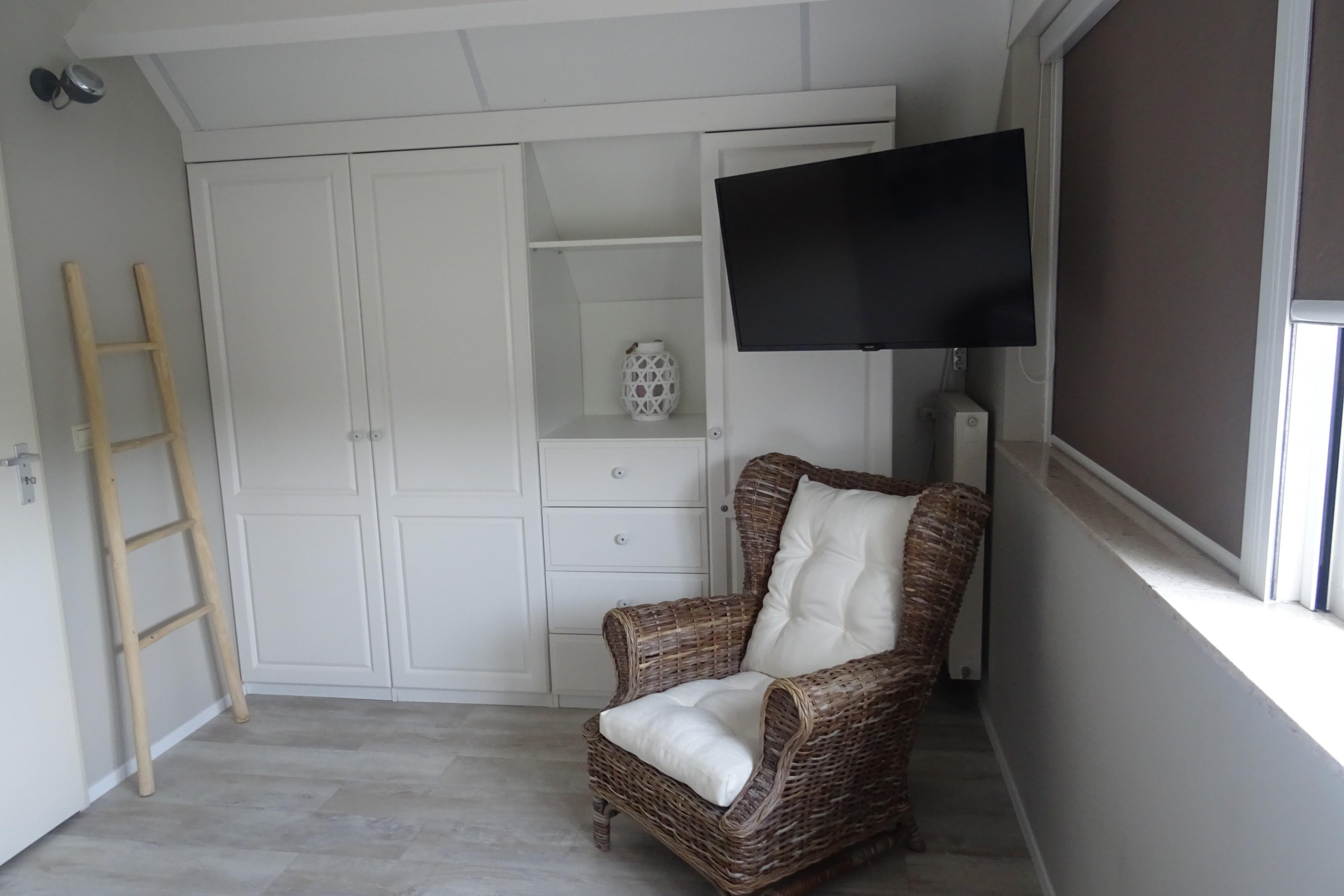 slaapkamer-1-met-stoel