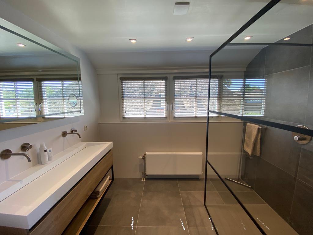 badkamer-eerste-verdieping-2