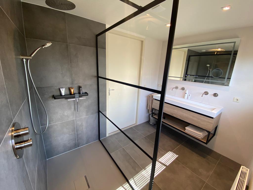 badkamer-eerste-verdieping-3