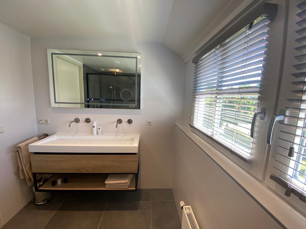 badkamer-eerste-verdieping